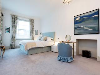 6 bedroom home with pool, Chepstow Villas, Notting Hill - London vacation rentals