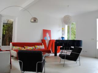 Belle Maison 8/10 pers,  jardin, calme, 5 mn Paris - Vitry-sur-Seine vacation rentals