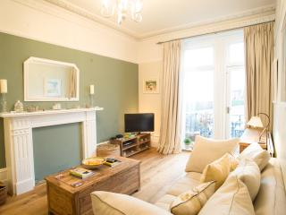 Veeve - Queen's Club Courtside - London vacation rentals