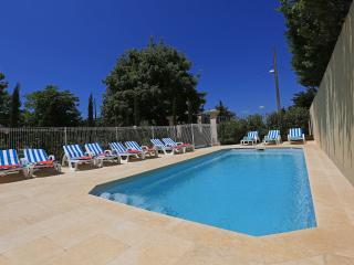 N7 Appartement dans château, piscine, bien situé - Marseille vacation rentals