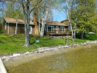 Perfect 3 bedroom Alpena House with Satellite Or Cable TV - Alpena vacation rentals