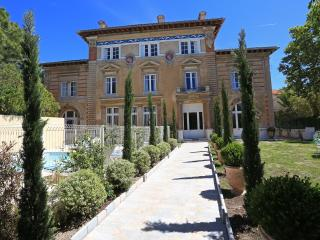 N5 Appartement dans château, piscine, bien situé - Marseille vacation rentals