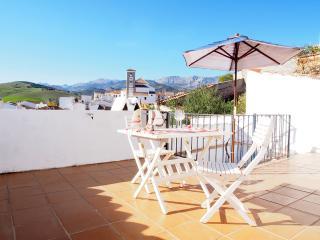 Sunny 2 bedroom Condo in Riogordo - Riogordo vacation rentals