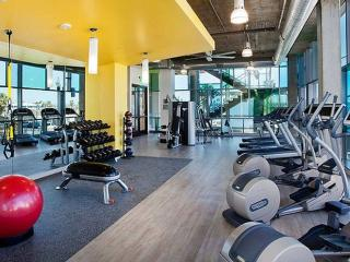 Luxury Living in Little Italy - Pool, Gym, Golf - Pacific Beach vacation rentals