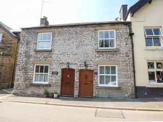 EXCHANGE COTTAGE, family friendly, WiFi, character holiday cottage in - Tideswell vacation rentals