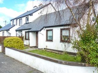 NORTH WEST BUNGALOW, semi-detached, open fire, pet-friendly, off road parking, in Ballina, Ref 912870 - Ballina vacation rentals