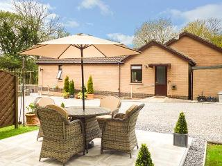 SWN Y NANT, romantic, WiFi, off road parking, private garden, bike storage, nr - Sarn vacation rentals