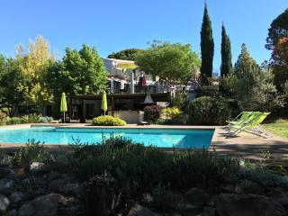 Bastide restaurée Feng Shui Pays d'Aix en Provence - Trets vacation rentals