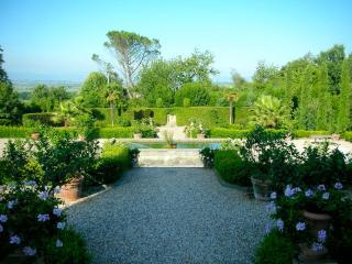 Charming 4 bedroom House in Colle di Compito - Colle di Compito vacation rentals