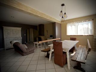 """Appartement Avignon Nord """" Le Marcelou """" - Entraigues-sur-la-Sorgue vacation rentals"""