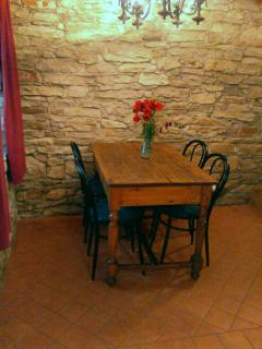 A LITTLE ISTRIAN STONE HOUSE 100 m FROM THE SEA - Zambratija vacation rentals