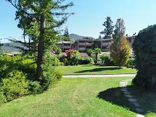 Comfortable 1 bedroom Villa in Porto Valtravaglia - Porto Valtravaglia vacation rentals