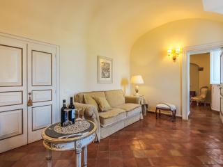 Elegant Large Amalfi Coast Villa Rental with Pool and Sea Views - Villa Luce sul Mare - Amalfi vacation rentals