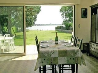 Comfortable House with Dishwasher and Short Breaks Allowed - Locoal-Mendon vacation rentals