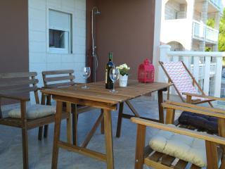 Beautiful Condo with Internet Access and A/C - Lokva Rogoznica vacation rentals