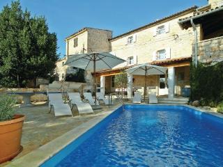 4 bedroom Villa in Vizinada, Istria, Croatia : ref 2088213 - Vizinada vacation rentals