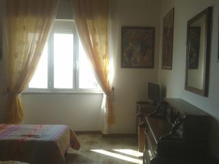 2 bedroom Apartment with Internet Access in Civitavecchia - Civitavecchia vacation rentals