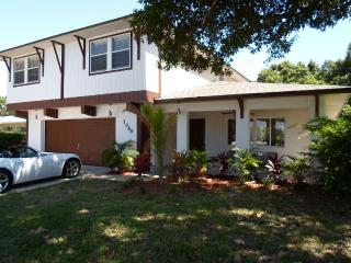 Naples Prime Location, 1 Mile or Less to Beaches - Naples vacation rentals