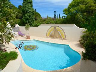 STYLISH FAMILY FRIENDLY VILLA WITH POOL IN MONTPEL - Montpellier vacation rentals