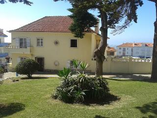 Laura House- Twin Room - Ericeira - Ericeira vacation rentals