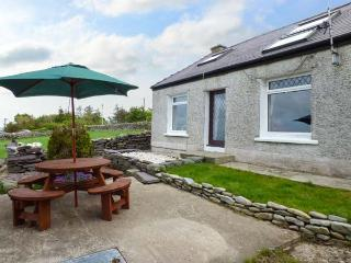 BRYN AWELON detached, countryside views, woodburner, pet-friendly near village of Rhosgadfan, Caernarfon, Ref 934834 - Caernarfon vacation rentals