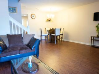 Lovely 2 bedroom Townhome ( shadow ) - North Charleston vacation rentals