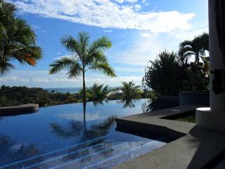 CASA MANGO - Ojochal vacation rentals
