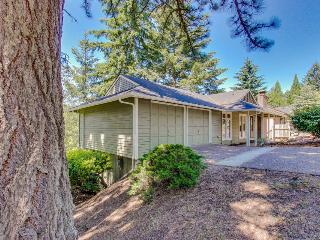 Quiet, dog-friendly neighborhood home, four miles from downtown & U of O! - Eugene vacation rentals