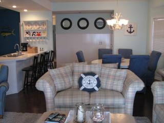 Lakefront 3BR on the main channel! VIEWS! - Lake Ozark vacation rentals
