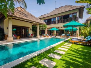 5 Bedrooms - Villa Intan - Central Seminyak - Seminyak vacation rentals