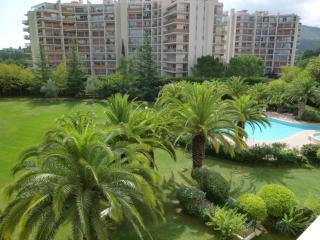 [309la] VUE GOLF - WIFI CLIM PISCINE PARKING - Mandelieu La Napoule vacation rentals