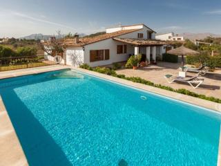 Charming House with Internet Access and A/C - Port de Pollenca vacation rentals