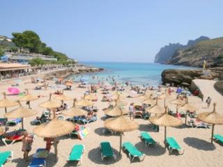Perfect 3 bedroom Vacation Rental in Cala San Vincente - Cala San Vincente vacation rentals