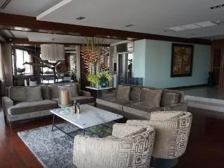 Comfortable Condo with Ceiling Fans and Safe - Bangkok vacation rentals