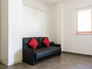 Milano Isola Prestige Studio - Milan vacation rentals