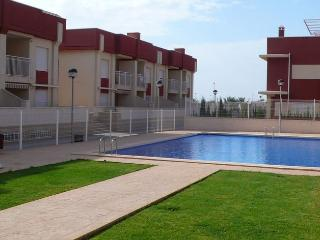 Lovely apt a short distance from bars and shops - Cabo Roig vacation rentals