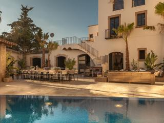 Modern luxury meets history, minutes from beach - Sitges vacation rentals