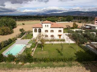 Villa Imola ideal for family in nice location - Montecchio vacation rentals