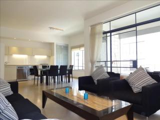 LUXURIOUS 4 ROOMS TLV BEACH - Tel Aviv vacation rentals