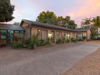 Inyathi Self Catering - One Bedroom Chalet - Knysna vacation rentals