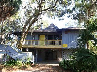 "718 Jungle Rd - ""Gray Escape"" - Edisto Beach vacation rentals"