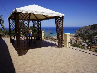 Villa Sarah - Monovano - Cefalu vacation rentals