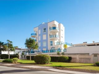 Cozy 2 bedroom Molinell Condo with A/C - Molinell vacation rentals