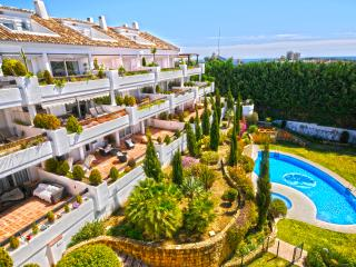 V 1Bed Apartment in Aloha Golf - Nueva Andalucia - Nueva Andalucia vacation rentals