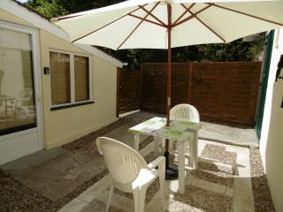 Beautiful Gite with Internet Access and Satellite Or Cable TV - Saint-Michel-de-Montaigne vacation rentals