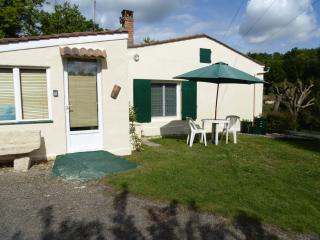 1 bedroom Gite with Internet Access in Saint-Michel-de-Montaigne - Saint-Michel-de-Montaigne vacation rentals