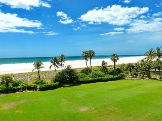 Stylish beachfront condo w/ heated pool near Island's favorite restaurants - Marco Island vacation rentals