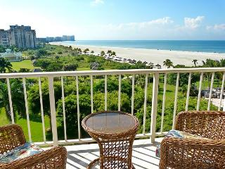 Beachfront condo wi/ sweeping views of Crescent Beach & spacious heated pool - Marco Island vacation rentals