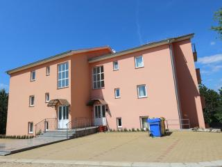 DUDOVIЖ(2566-6519) - Silo vacation rentals