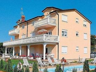 4 bedroom Condo with Dishwasher in Umag - Umag vacation rentals
